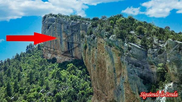 Segundo tramo, ruta por las pasarelas de Montfalco