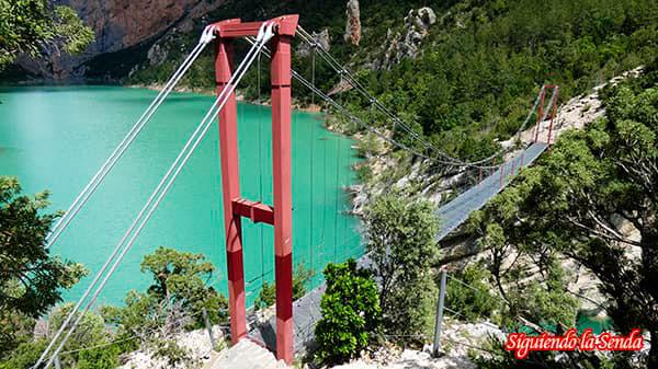 puente de Siegue, ruta por las pasarelas de Montfalco