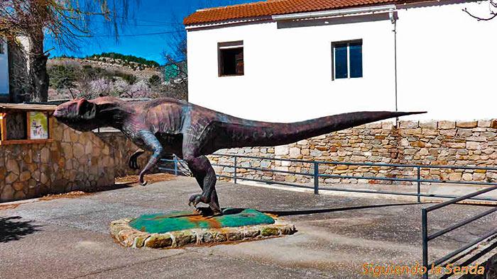 Allosaurus, ruta del dinosaurio en el Castellar, que ver en Teruel