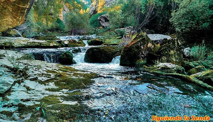 ruta al nacimiento del río Pitarque, que ver en Teruel