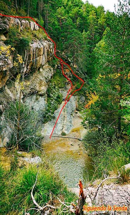 Trepada en la ruta de los canos de gudar