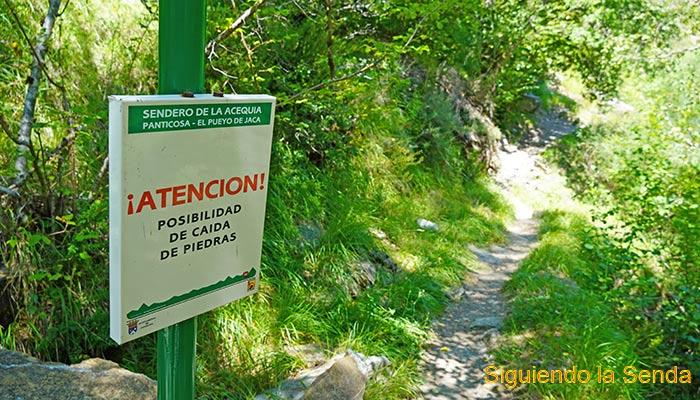 EL_PUEYO_DE_JACA_PANTICOSA_SENDERO_ACEQUIA_PRECAUCION