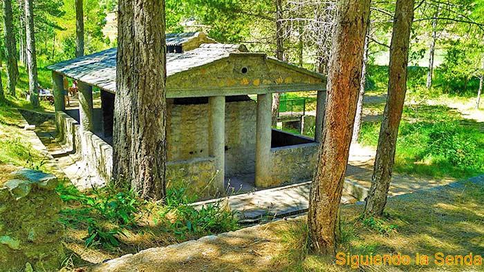 Ruta las fuentes, desde el balneario de Manzanera a la fuente del gavilán.