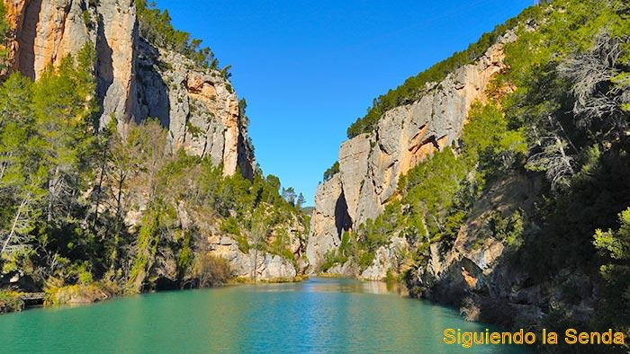 Ruta de Montanejos al Estrecho de Chillapájaros y abrigo de Rufino.
