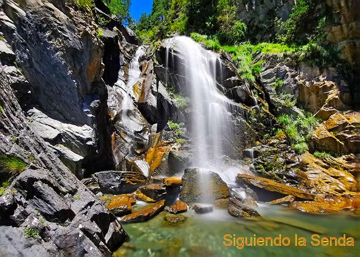 Qué ver y hacer en el valle de Tena - ibon de baños - mirador de o calve - pueyo de jaca - el salto en sellent de gallego - o saldo de escarrilla - bosque de betato - ibon de piedrafita